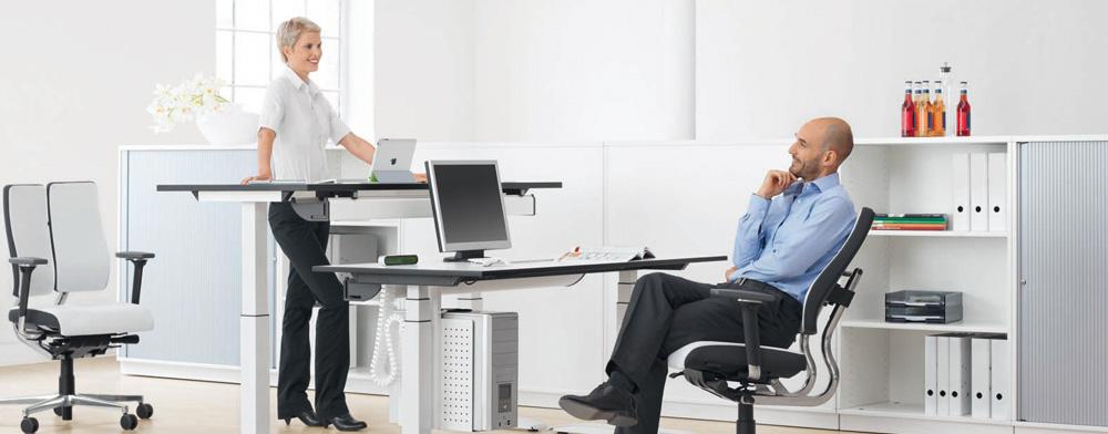 aktiver und beweglicher arbeiten mit steh sitz arbeitspl tzen dok dresden. Black Bedroom Furniture Sets. Home Design Ideas